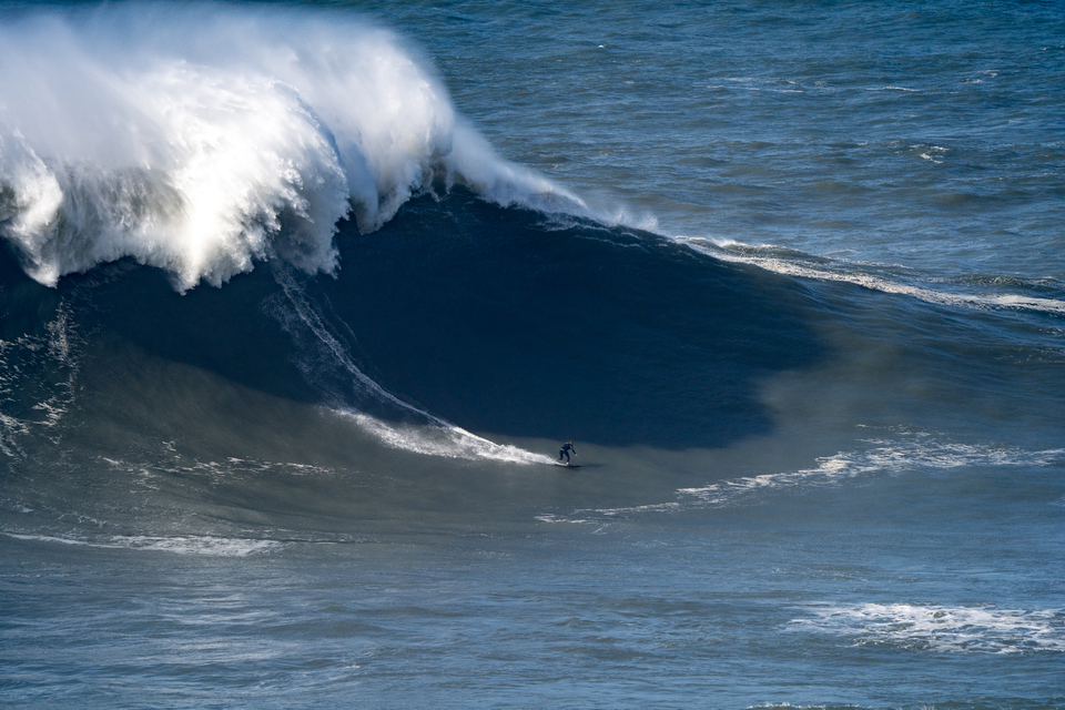 Sebastian Steudtner on one of the biggest waves of the day. Wednesday November 13.