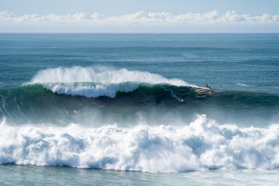 Joao Guedes eyes that exit at Nazare.