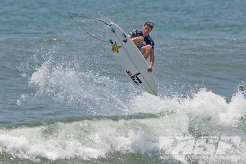 Jack Freestone (AUS), 21, reigning two time World Junior Champion, is now on the qualifying circuit, with the aim of cracking the big leagues.