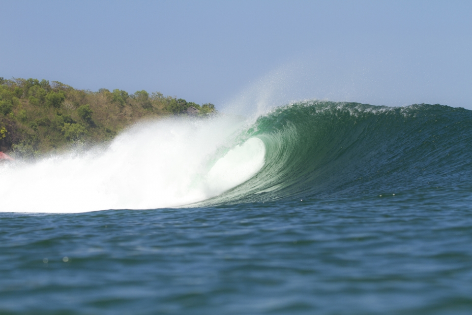 The waves began to appear more approachable at Padang.