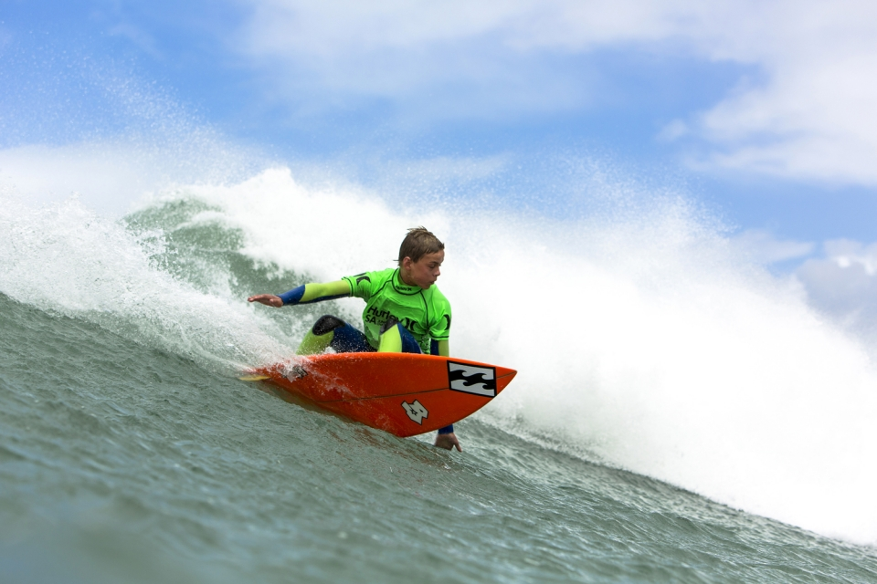 After a series of big drops and solid bottoms turns, Jake Elkington focuses on his rail to rail surfing to advance into the final of the SA Junior Champs.