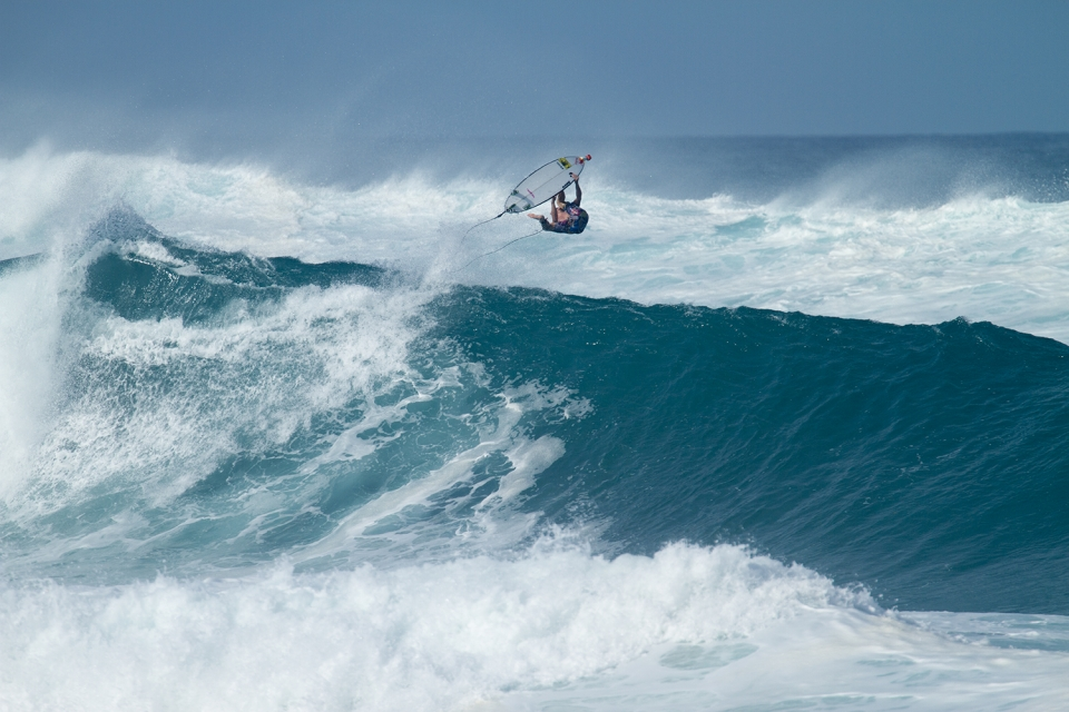 Pipe king Jamie O pressing the eject button. No wildcard for him after that Teahupoo punch up.
