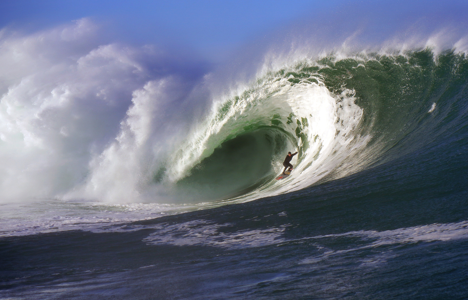 You'll know this wave, not far from the town in question. Noah Lane, under the hood.