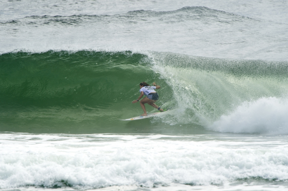 Sally Fitzgibbons looks like surfer on a mission