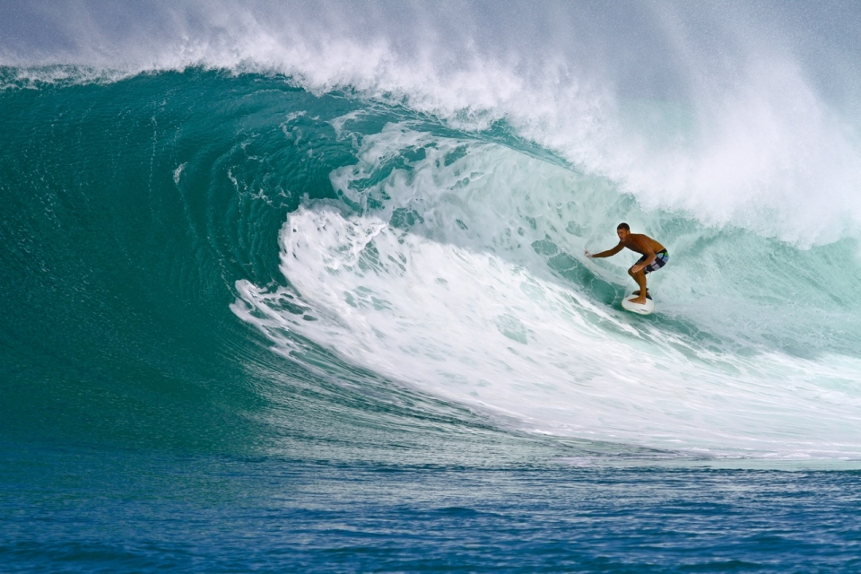 Kandui Partner, 'All Day Ray' Wilcoxen lives for Bankvaults.  Over the first 2 swells, he scored 6 straight days.
