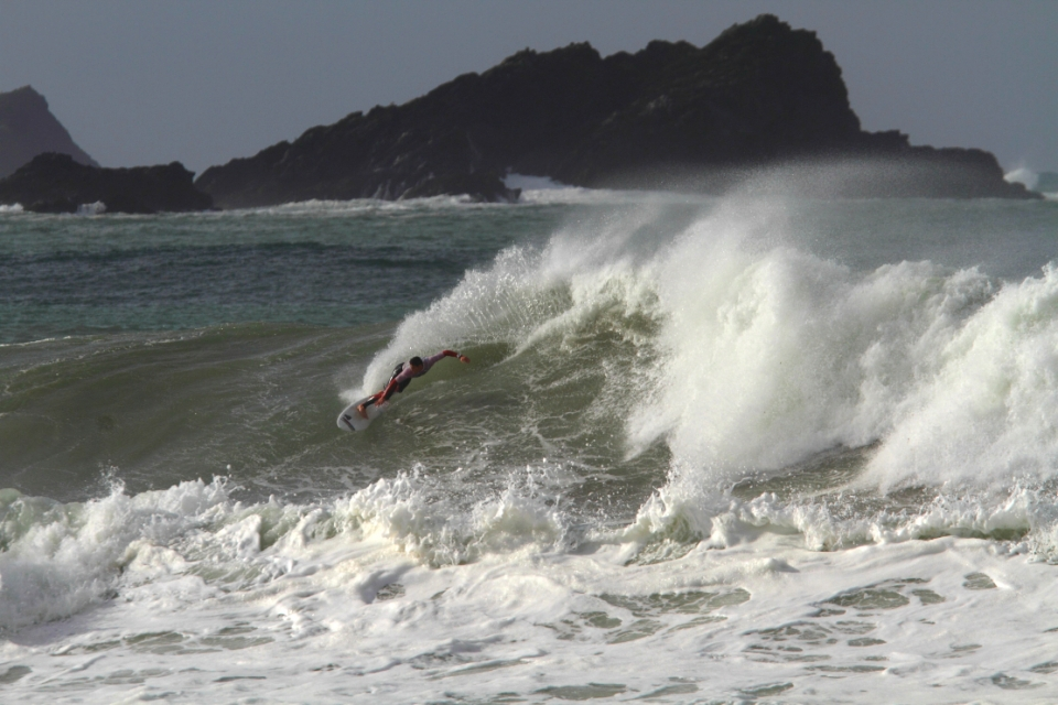 Tom Butler taking some time away of thumping Irish slabs to don a contest rash vest.