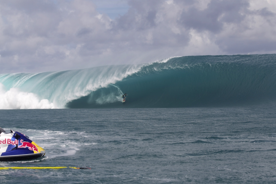 Thick and and heavy Teahupoo baring a full set of teeth. Keala Kennelly making the most of her renewed love of this reef.