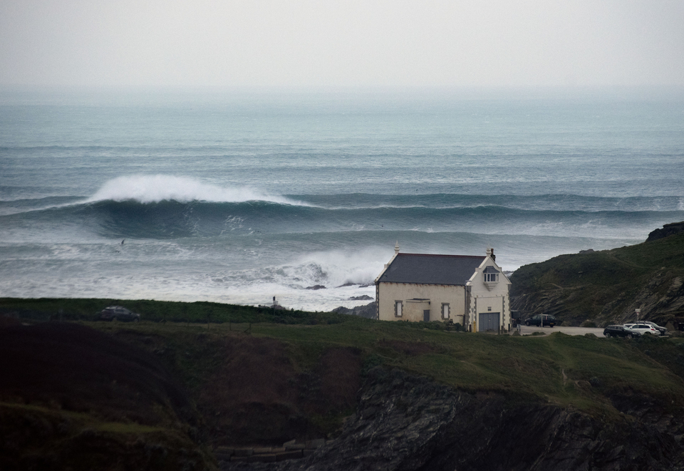 Little Fistral, over the weekend. This breaks just down from the Cribbar, which is out of shot to the right, beyond the headland.