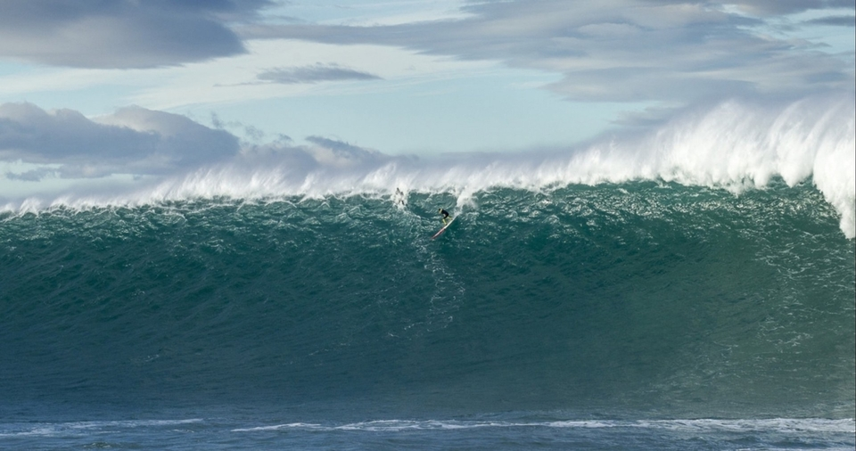 one of the most iconic images out of Hercules, Jamie Mitchell pre getting steam rolled at Belharra.