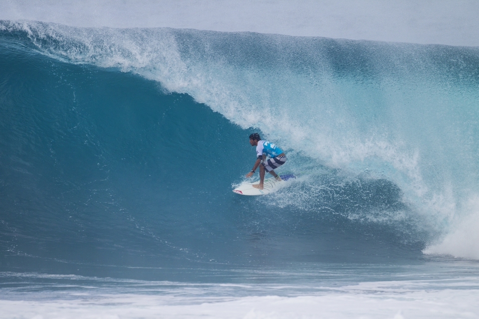 "As is to be expected from a former Pipe Master, Jeremy Flores was looking dominant.  ""The waves started to get better and I saw the wind switching and saw those perfect A frames,"" he said. ""I was pretty stressed because I was frothing so hard and thought I might take off on too many waves. I think it's only going to get better from now on, hollow barrels, and it's good for everyone. It's Pipe. It's a dream."""