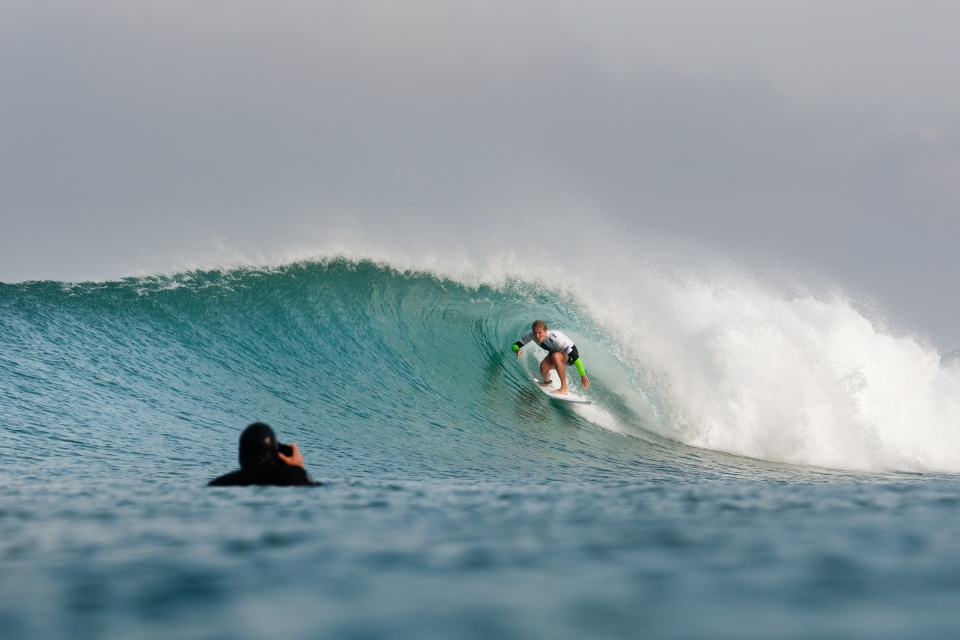 Five time world champion, Steph Gilmore, excelled in the early rounds, but failed to surmount a supreme 19.77 quarterfinal heat score from the eventual winner.