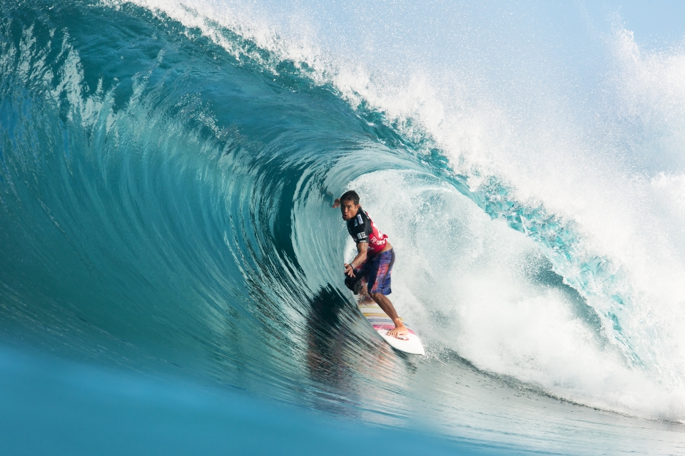 Kahea Hart finds a gaping, glassy keg first thing in the morning.