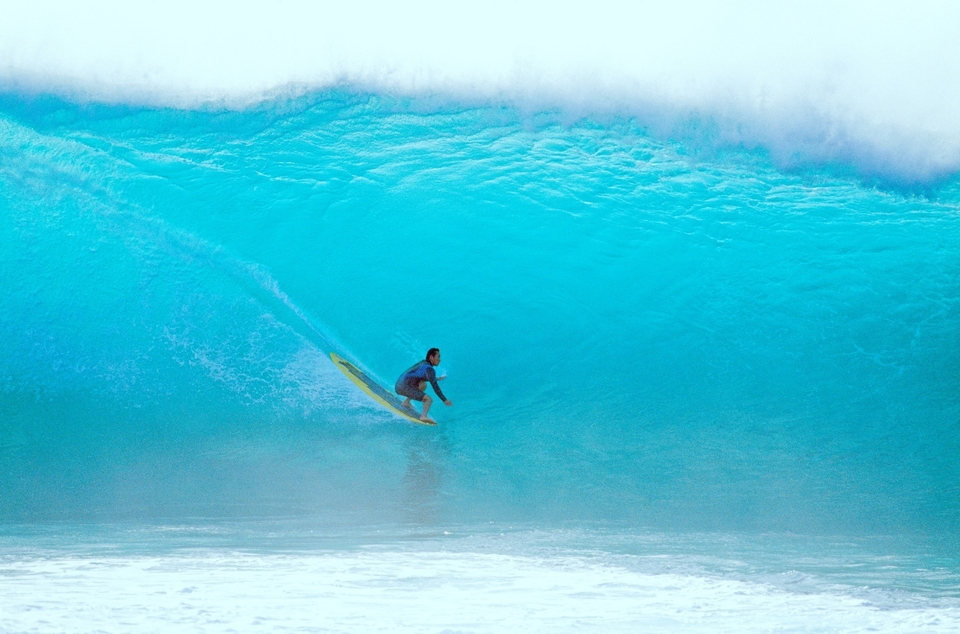 Takes commitment to attempt this kind drop on a longboard, or to tell the Bunker story. Takuji Masuda earning his rights, Pipeline.