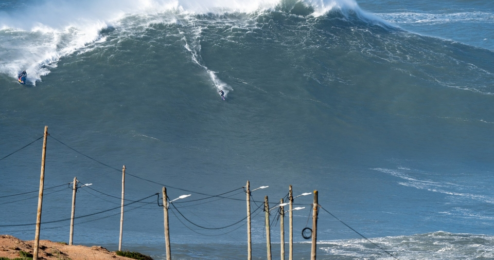 Here's where Kai Lenny feels a lot more comfortable, the hulking chunk of Nazare.