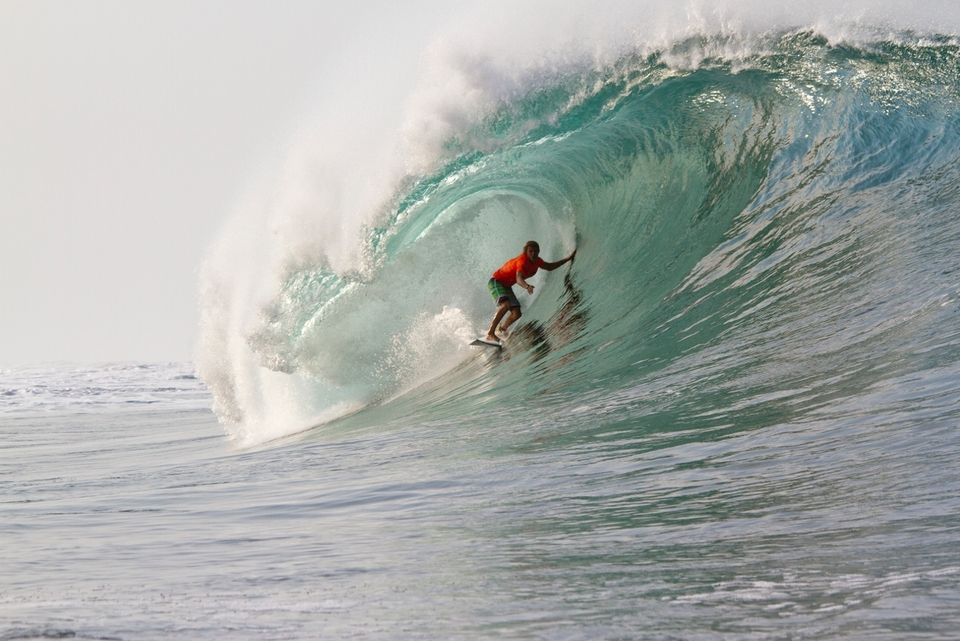 Koa Smith under a heaving lip.