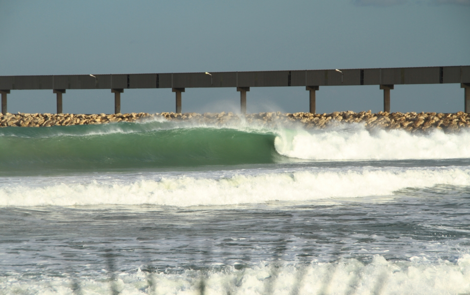 Another day, another gaping right at Chekka. Perhaps it's time to cast a eye over the forecast.