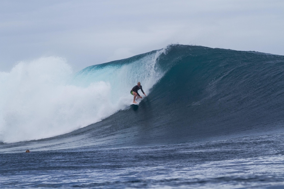 And Nat sneakily gains his 9 with Slater-esque reading of the Cloudbreak lineup. Have you got him in your Fantasy Surfer team?