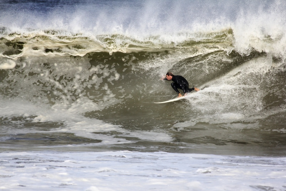 Shaun McGrath tucks in to a nice looking shack at Belmar