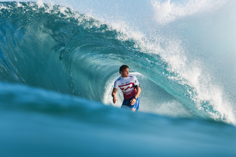 A casual glance at the beach. Yadin Nicol letting his satisfaction be known.