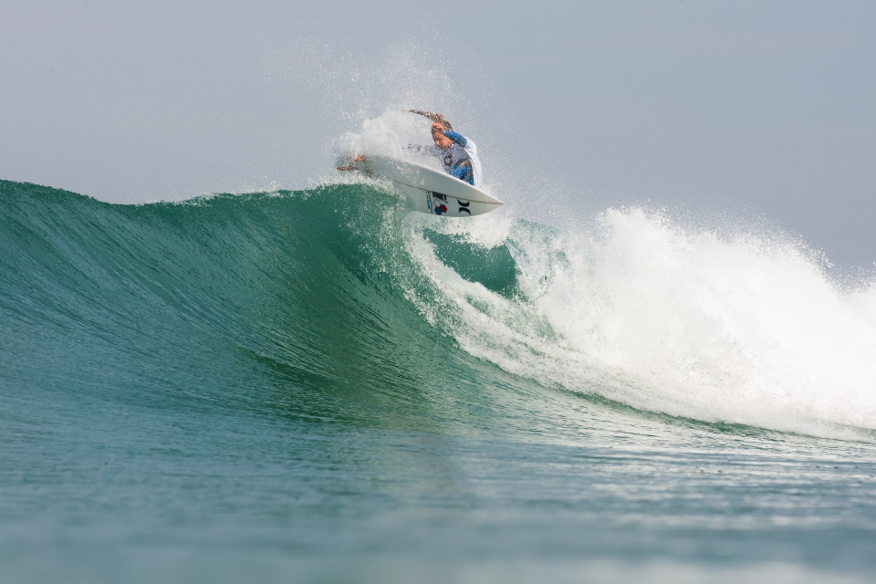 Lakey Peterson was another on form surfer, posting two 9+ scores in her quarter final against Courtney Conologue.
