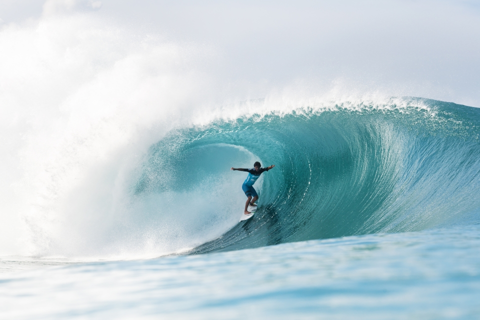 Miguel Pupo relished the surfeit of Pipe barrels, ousting former Pipe Master, Jeremy Flores, in round 5. His campaign came to an abrupt end against last year's champ, Joel Pakinson.