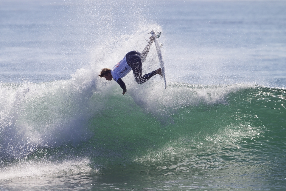 After a social media storm which ensured Dane Reynolds a place in the first round, it was sad early exit for surfing's most loved freesurfer. But with a broken hand and two consecutive heats against Slater, its hard to find fault.