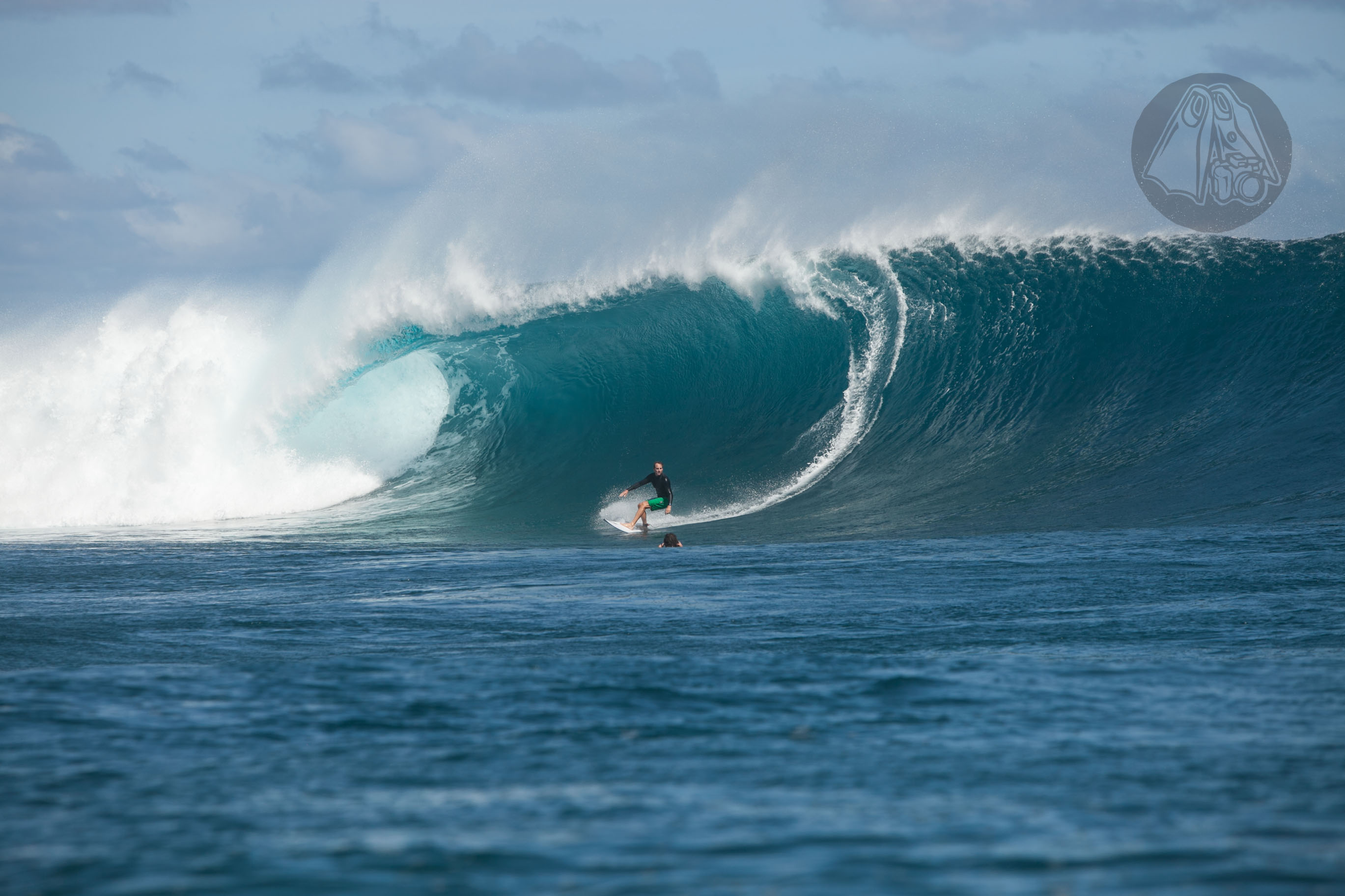 Ross Williams can be seen behind the ASP commentator desk and also in the casual in the face of critical sequence. He describes Cloudbreak as being,