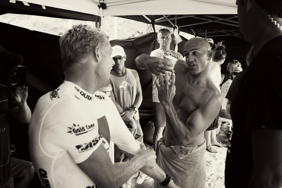 Mick Fanning and Kely Slater backstage tactical discussion on fluid dynamics lecture II