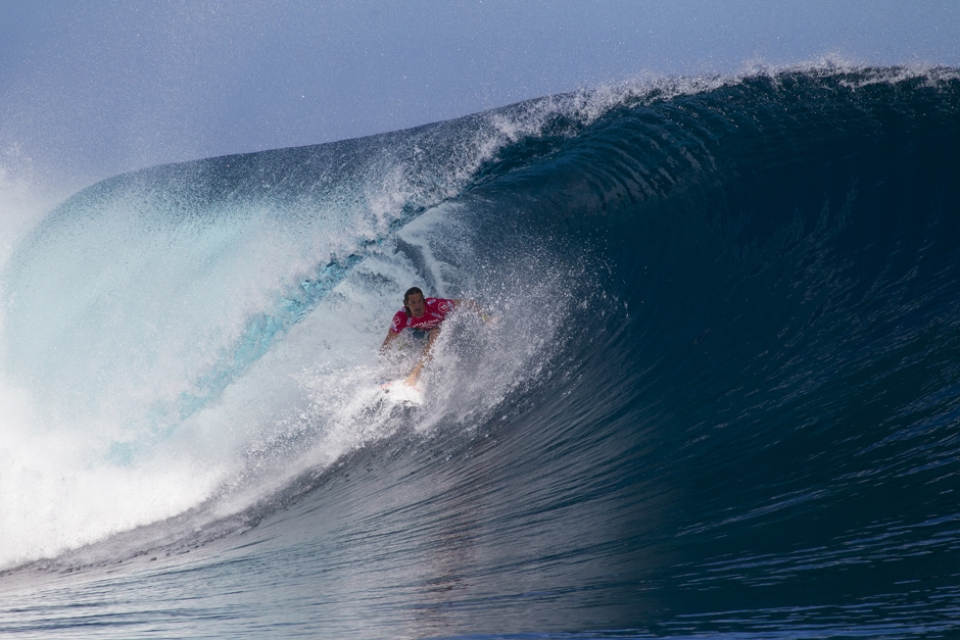 Jordy Smith stumbled on his return to form.