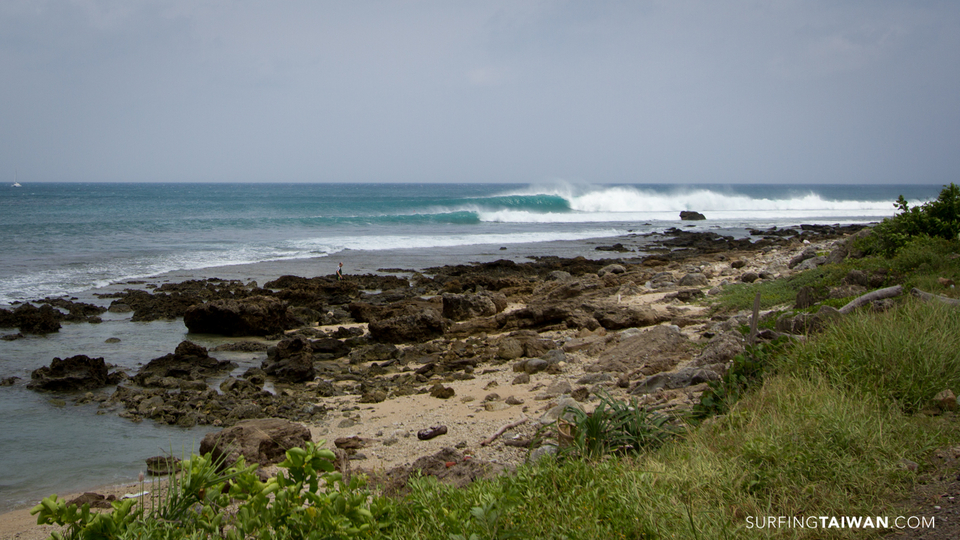 Waves begin to run down the line at this quality reef.