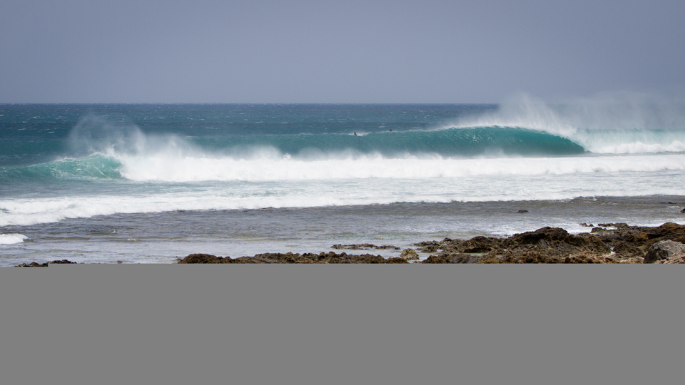 It's hard looking at this wave and to not mind surf it. Enjoy the ride.