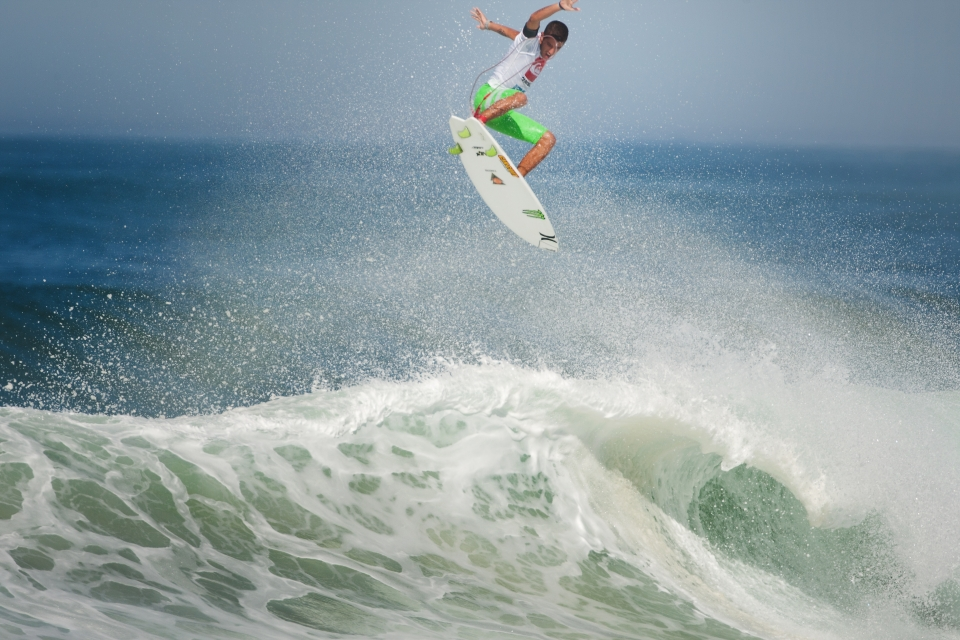 He went on to launch this gigantic alley-oop which earned him a 9.97, and the highest combined heat score of round 3.