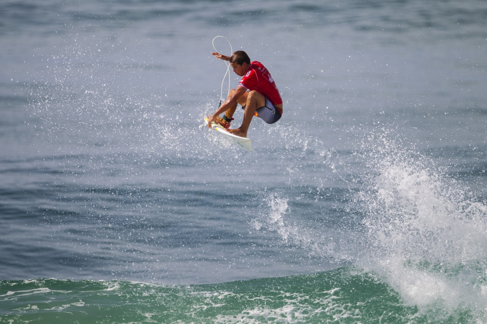 Julian Wilson takes the high road en route to taking down Miguel Pupo.