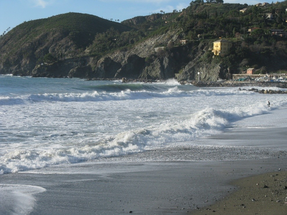 lovebarrels's photo of Levanto