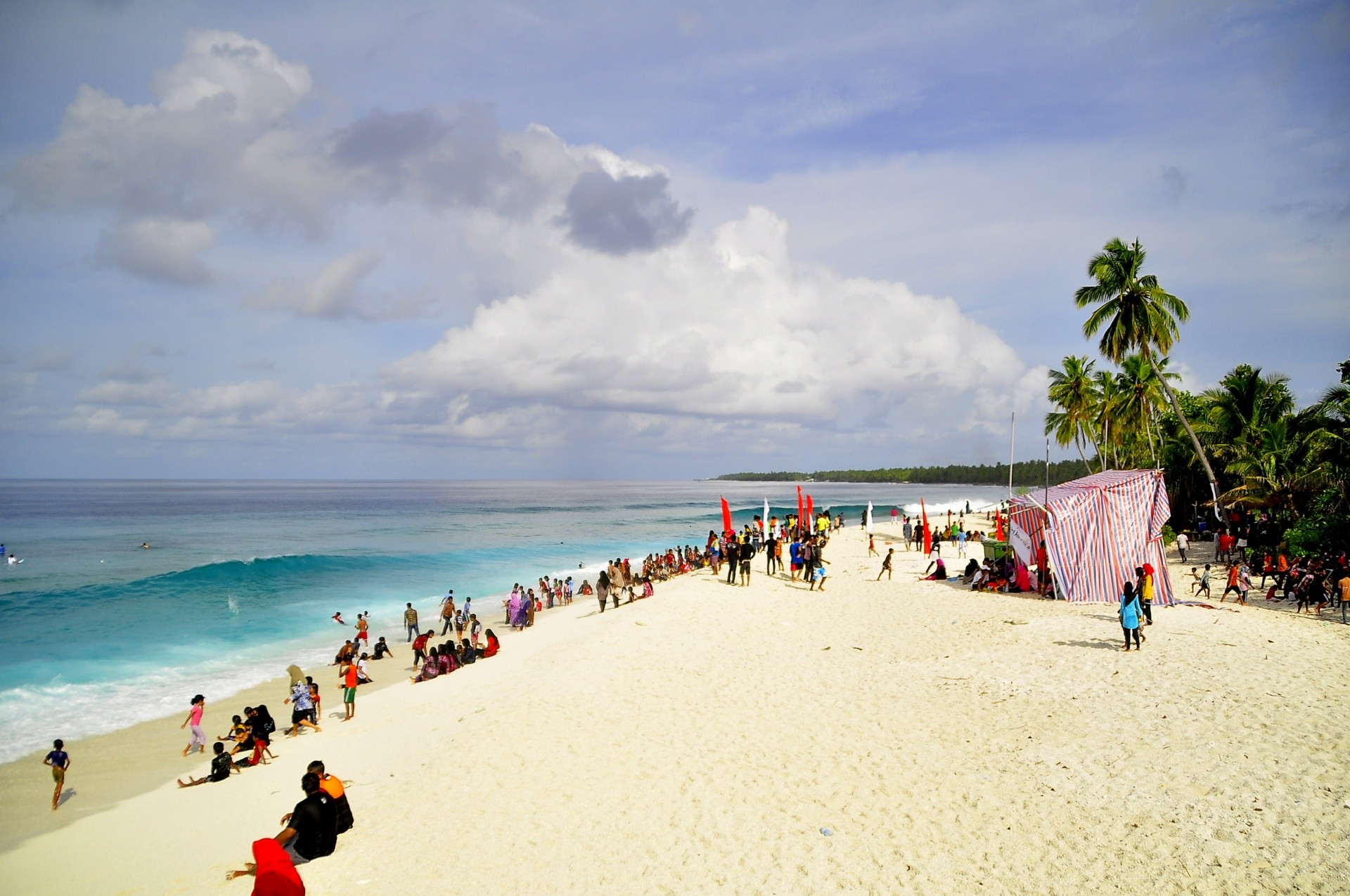 schirrey's photo of Thundi Beach